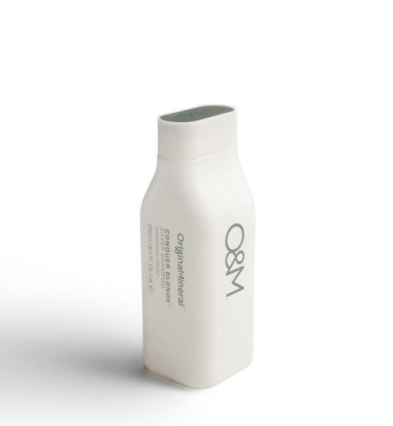 O&M Conquer Blonde Silver Shampoo -